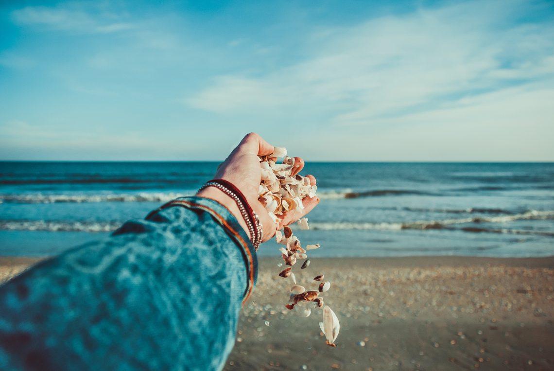 Descubra as vantagens de morar na praia